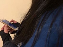 Mobile phones to be banned in Vicorian schools