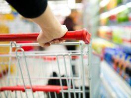 Grocery trolley | Photo Shutterstock