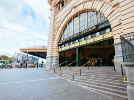 Melbourne Flinders Train Station   Photo: Shutterstock