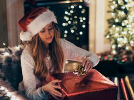 Christmas gift   Image: https://www.pxfuel.com/en/free-photo-emffc